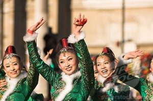 London - Chinese dancing girls